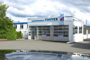 Multifunktions-Arbeitsplätze von SEHON bei Karosseriebau Finster in Wiesbaden