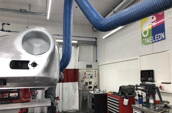 SEHON Karosserie Arbeitsplatz für Stahl, Aluminium und Carbon.