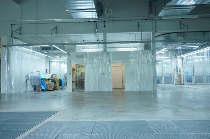 SEHON Lackversorgungsraum mit 4 Verbindungstüren zu Lackieranlagen und Maskier-Arbeitsplätzen